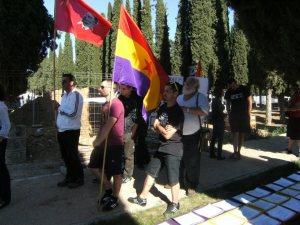 Miembros del centro Social Octubre asistentes al acto.