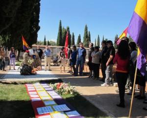 Cementerio de Guadalajara durante el acto de homenaje a las víctimas del franquismo y del nazismo en Guadalajara.