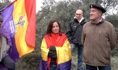 Antonio Rodriguez vecino de Mirabueno y socio del Foro por la Memoria da una explicación el el lugar de la muerte de Picelli