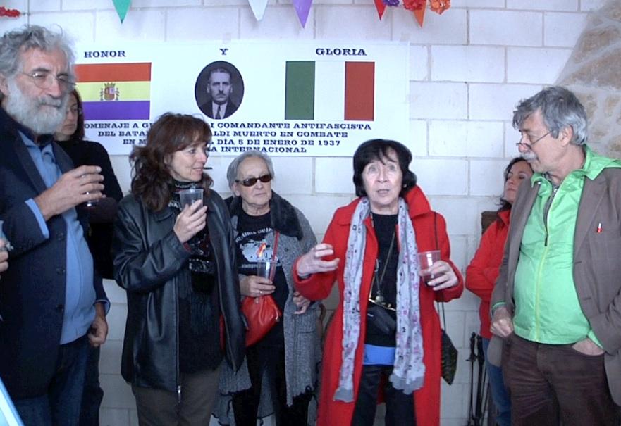 Gabriella Manelli hace un brindis por Picelli