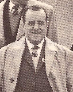 Manuel Razola Romo, superviviente del campo nazi de Mauthausen, fotografiado durante una visita al campo en mayo de 1975.