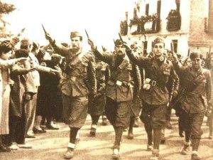 Tropas fascistas en la ciudad de Guadalajara en uno de los desfiles posteriores a la ocupación de la ciudad. Archivo FMGU