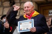 Entrega de diploma al brigadista Josep Almudever Torija. Óscar de Marcos/FMGU